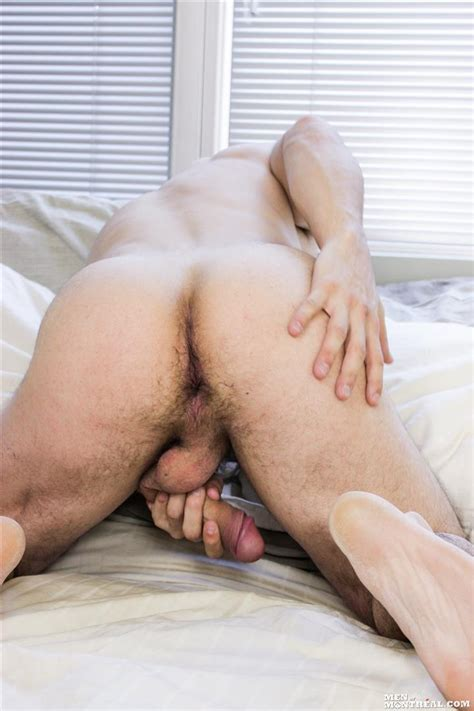 Beefy Canadian Hunk Jerking Off His Big Uncut Cock Best Rated Gay Porn