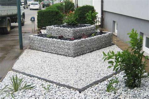 Gabionenvorgarten  Garten  Wasser Stein