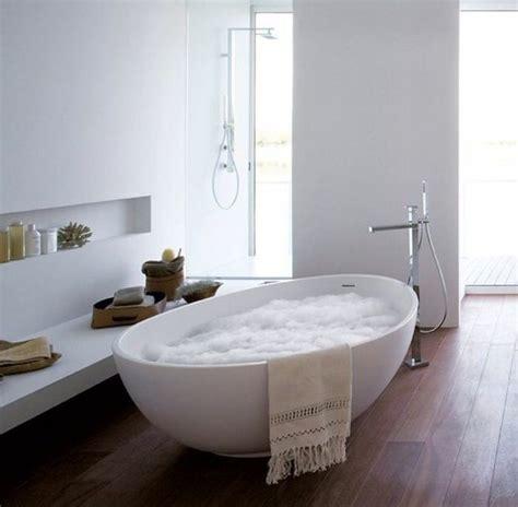 les 25 meilleures id 233 es concernant baignoires sur