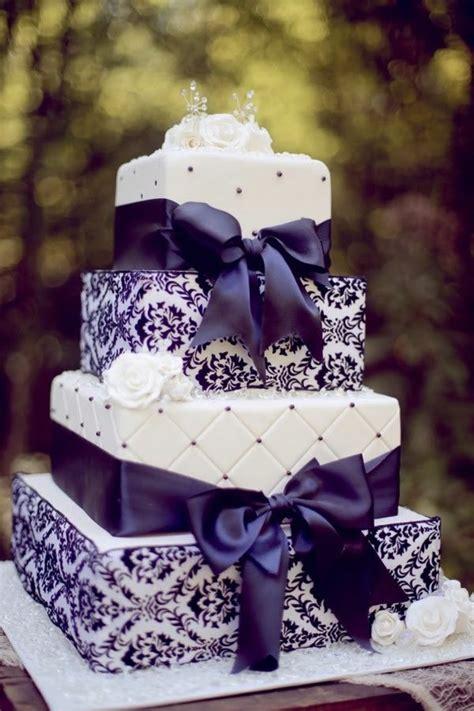 cuisine blanc et violet comment choisir le gâteau de mariage voici nos idées