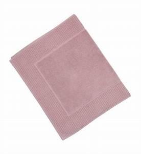 tapis de bain extrasoft jalla en rose galeries lafayette With tapis de bain jalla