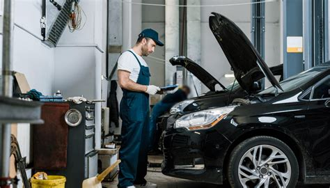 How Newtown Smash Repairs Can Help Reform the Damaged Cars ...