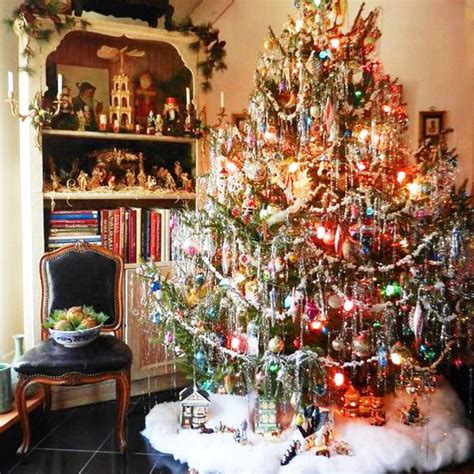 who to make a christmas tree from old tires 25 best ideas about vintage on vintage decorating vintage