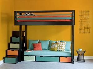 10 solutions pour amenager le dessous dun lit mezzanine With tapis jaune avec lit superposé avec canapé ikea