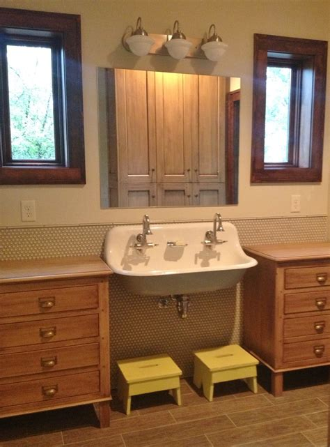 vintage vanity lights add retro spin  kids bath remodel