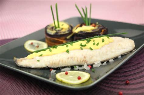 cuisiner un turbot recette esturgeon au sabayon de chagne et tourbillon de
