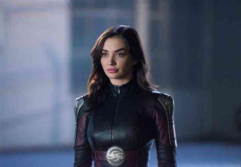 supergirl legion  super heroes  reveal