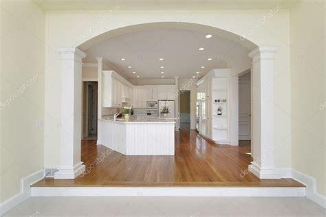 arco cucina soggiorno cucina con arco foto stock 169 lmphot 8716685