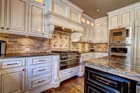 best 25 antiqued kitchen cabinets ideas on 563 563fededd1ba963235856099e7ed49c6 antique kitchen cabinets kitchen cabinets to ceiling