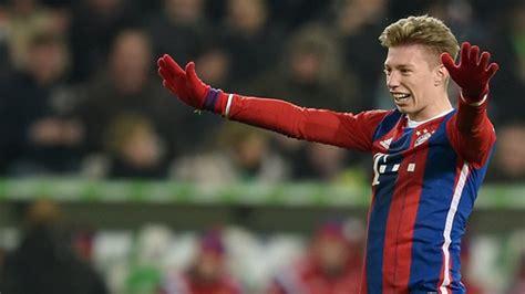 Mitchell Weiser Manövriert Sich Beim Fc Bayern Ins Abseits