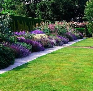 1000 idees sur le theme bordure de paysage sur pinterest With amenager jardin en pente 7 creer une jolie terrasse avec des paves en pierre