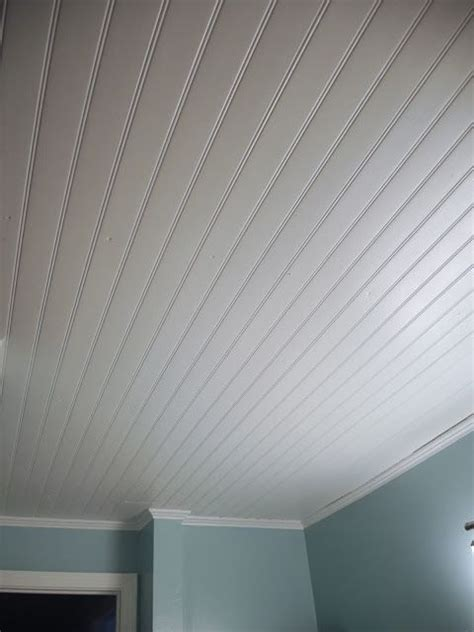 Vinyl beadboard ceiling in bathroom (CM Shaw Studios