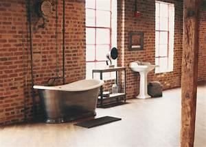 Industrial open loft bathroom industrial bathroom for Salle de bain style loft