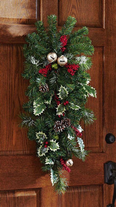 cool  classy christmas door decoration ideas interior vogue