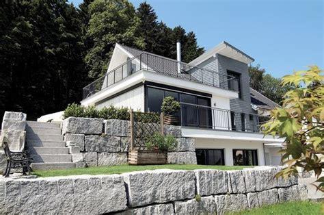 Moderne Häuser Aussenanlage by Hausdetailansicht Hausbau Haus Hanglage