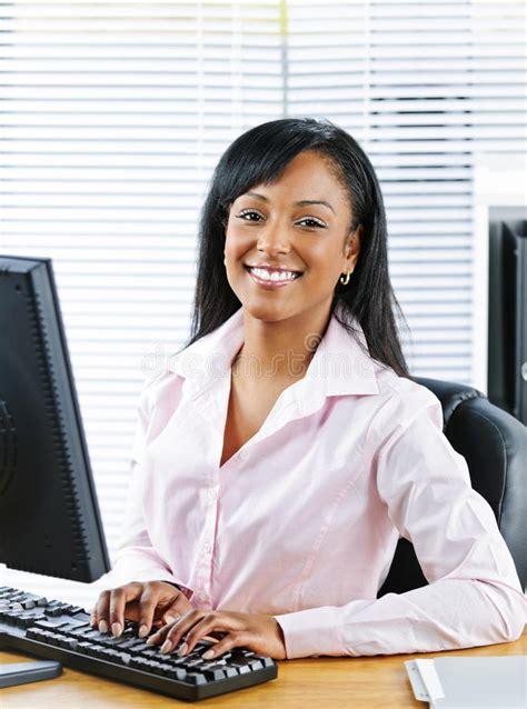 cochonne au bureau femme au bureau salope