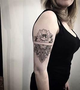 Mandala Tattoo Unterarm : 45 creative mandala tattoo designs you would fall in love with ~ Frokenaadalensverden.com Haus und Dekorationen