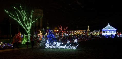 christmas light displays  cleveland