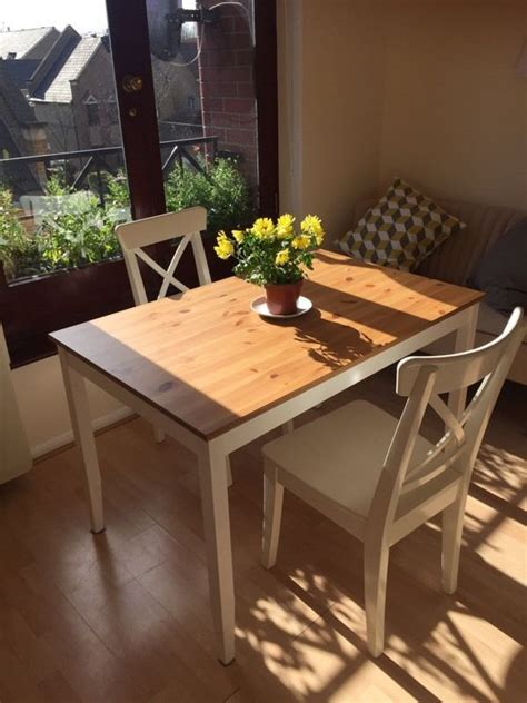 Excellent Condition Dining Table And Chairs Available