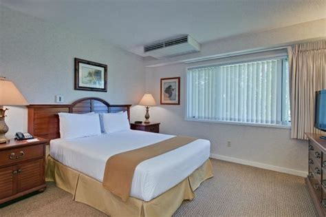 IHG ARMY HOTELS TRIPLER ARMY MEDICAL CENTER - Prices ...