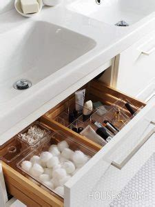 spring refresh  ways  declutter  bathroom style
