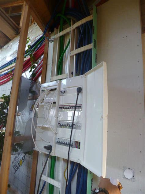 comment installer une le au plafond 13 2013 09 04 reprise lente mais s251r la maison de