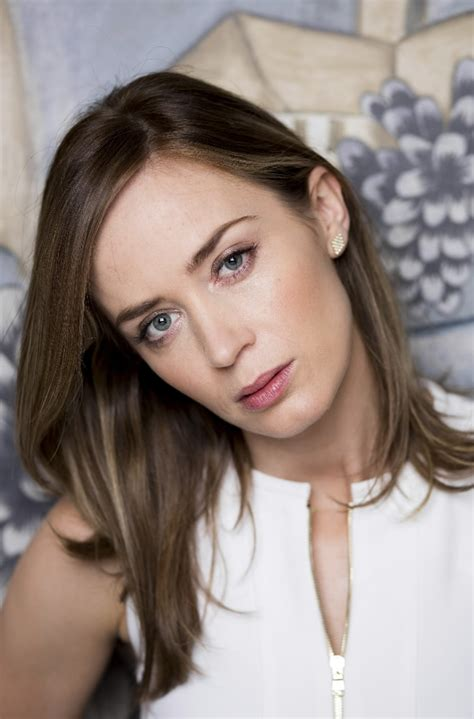 emily blunt plays  tough  edge  woods  blade