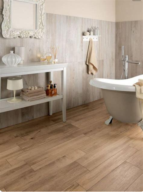 bagno effetto legno nello stile country chic il rivestimento bagno deve