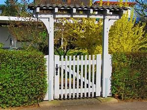 Gartenzaun Mit Tor : kostenloses foto tor gartentor t r zaun wei kostenloses bild auf pixabay 143082 ~ Frokenaadalensverden.com Haus und Dekorationen