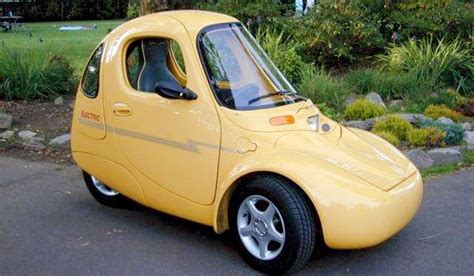 Top 10 Chart of The Ugliest Cars In History