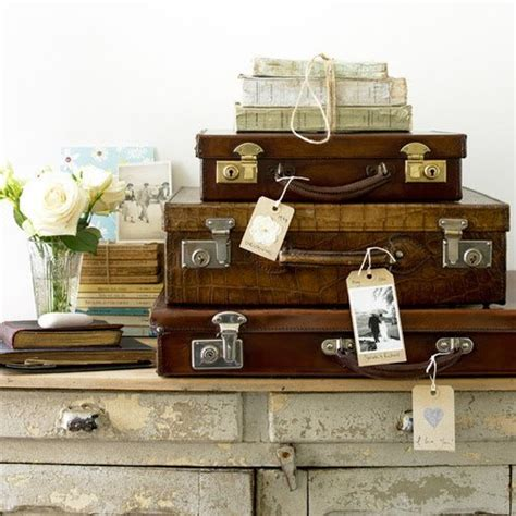 Decorating Ideas Using Suitcases by Decorating With Vintage Suitcases