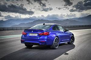 Cs Auto : 454hp bmw m4 cs slots below the mighty gts carscoops ~ Gottalentnigeria.com Avis de Voitures