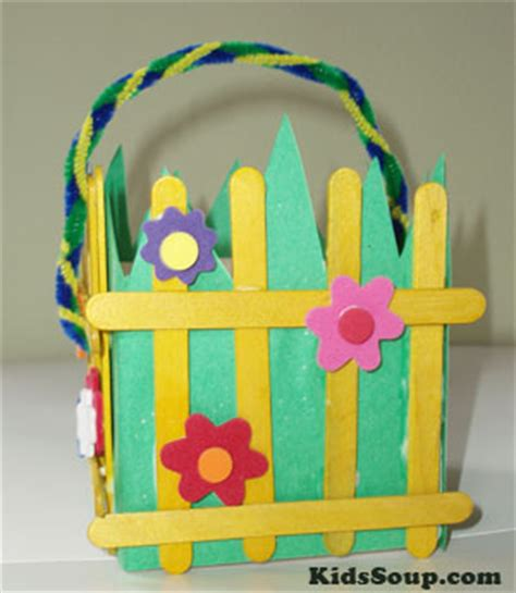 easter crafts activities and printables kidssoup 174 | easter basket craft