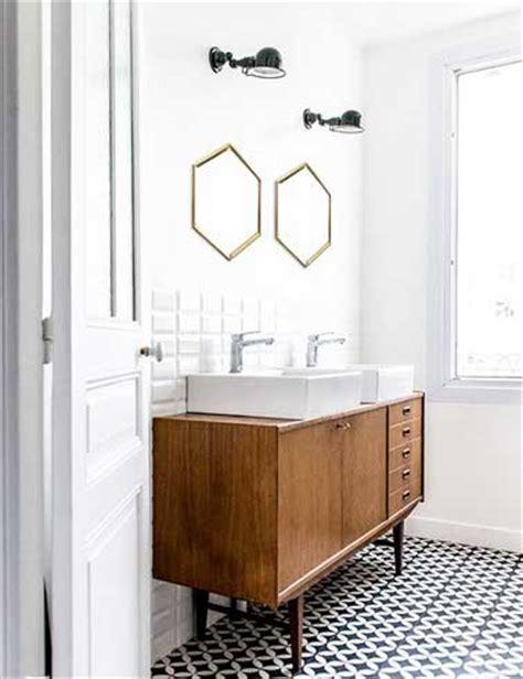 carreaux de ciments motifs g 233 om 233 triques dans salle de bain