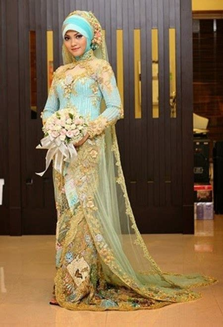 inspirasi busana pengantin berhijab modern  meskipun