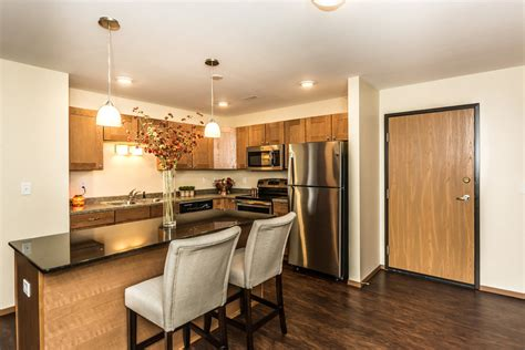 legacy apartments grand forks  apartment finder