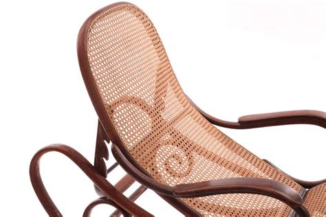 chaise thonet 14 stunning bentwood chaise by thonet at 1stdibs