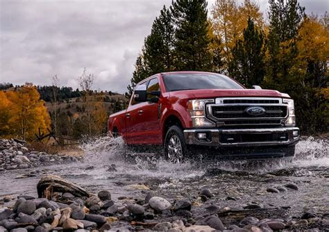 ford super duty preview major  arriving