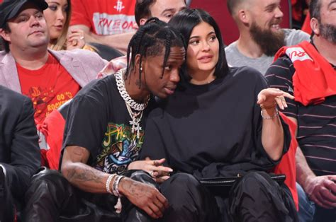 Kylie Jenner rents out Six Flags for Travis Scott's ...
