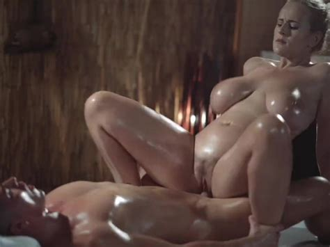Massage Rooms Sexy Milf With Huge Natural Tits Gives Oily