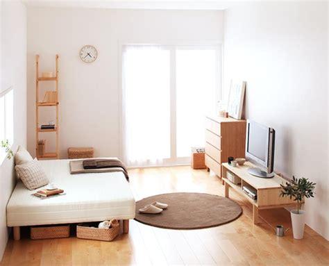 G M Home Interiors : すっきりシンプル♪ 疲れて帰ってきてホッとやすらぐお部屋