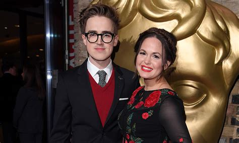 Giovanna Fletcher shares hilarious photo of Tom Fletcher ...
