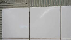 Fliesen Verfugen Wand : fliesen verfugen anleitung zum richtigen verfugen ~ Frokenaadalensverden.com Haus und Dekorationen