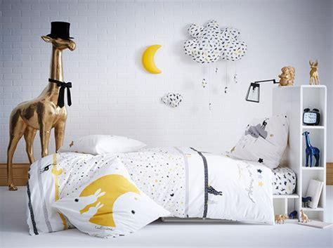 chambre fille jaune idée déco chambre fille jaune