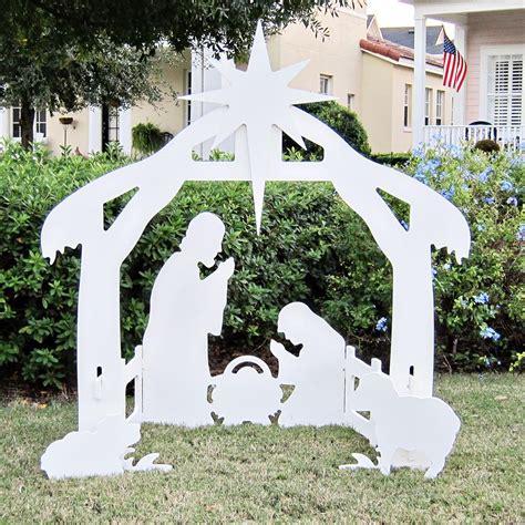 Amazon.com: Teak Isle Christmas Outdoor Nativity Set, Yard