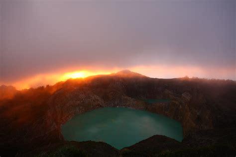 famous volcanic kelimutu lakes