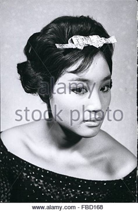 1962  European Hairstyles For Japanese Girls Demonstrated