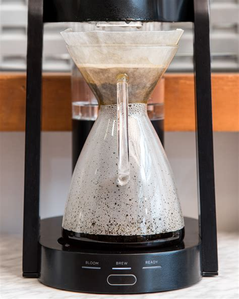 Your brew ratio is the ratio of ground coffee to water, something that will affect your beverage's strength, mouthfeel, and more. The Perfect Pour Over Coffee Maker For Your Everyday - Ratio Eight
