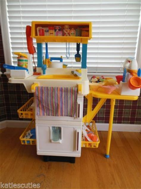 cuisine bilingue fisher price vintage fisher price play kitchen with food cupcake