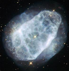 Hubble Telescope Views Nitrogen-Rich Planetary Nebula